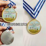 medali kenang - kenangan