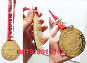 medali gold tali sublim
