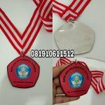 pembuat medali cepat