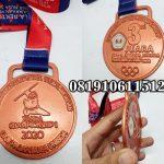Pembuat Medali Timah