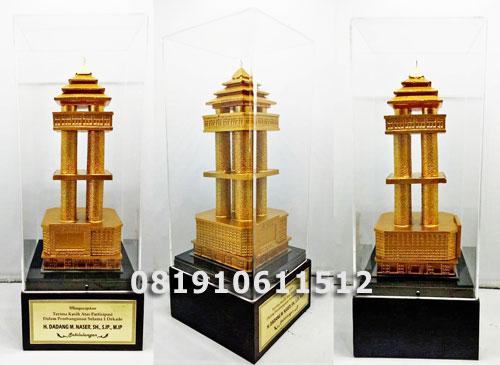 souvenir miniatur gedung